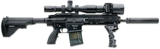 HK417 (вариант Assaulter) со стволом длиной 305 мм и установленным оптическим прицелом с ИК-насадкой, сошками, глушителем