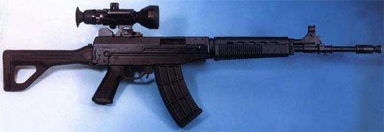 QBZ-03 / Type 03 с установленным оптическим прицелом