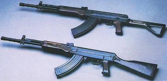 Type 81 (снизу) Type 81-1 (сверху)