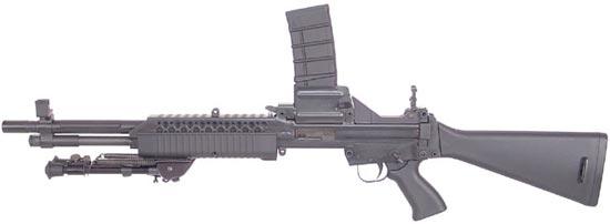 M96 в конфигурации с верхней подачей патронов и коротким стволом