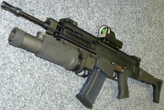 CZ 805 BREN A1 с установленным подствольным гранатометом CZ G 805