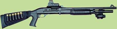 Benelli M3 Super 90 с коллиматорным прицелом и лазерным целеуказателем