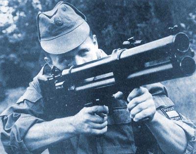 ДП-64 при стрельбе