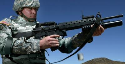 M203 при стрельбе