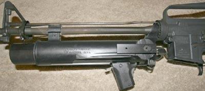 XM148 установленный на стволе M16