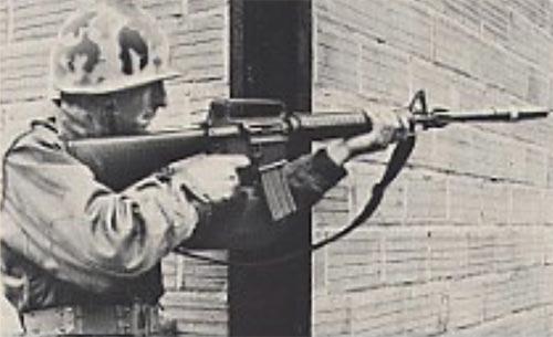 40-мм граната Luchaire при использовании