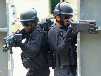 Спецназовцы с «корнер-шотами»