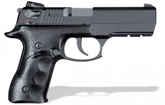 Три модели пистолетов, произведенные в Азербайджане, приняты Министерством обороны в качестве табельного оружия