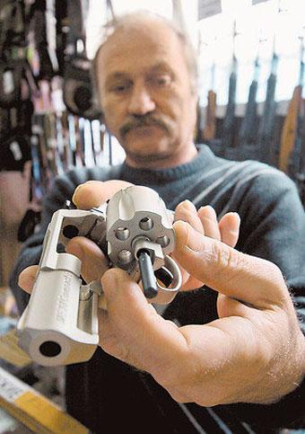 Привет, оружие! Нужно ли в России легализовать «короткоствол»?