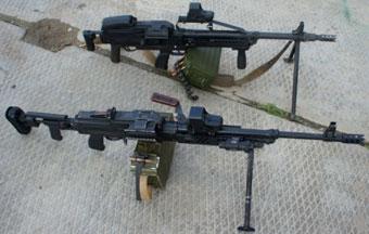 Спецслужбы получили опытные образцы пулемета «Печенег», в котором спусковой крючок находится спереди от магазина