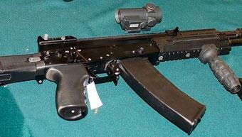 Гражданские смогут раньше познакомиться с АК-12, чем военные
