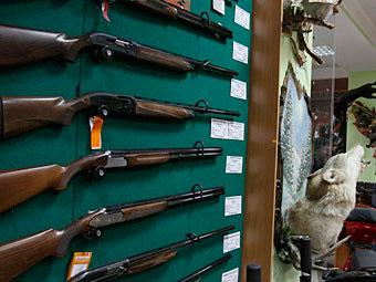 Медведев сравнил свободную продажу оружия с пьянством за рулем