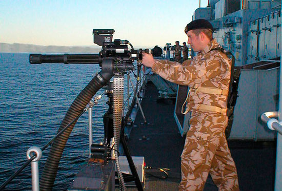 Французские моряки получили шестиствольные пулеметы Minigun