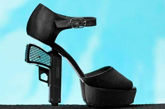 «туфли-пистолеты»