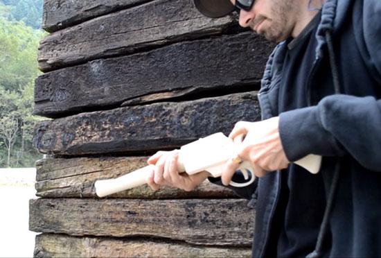 Канадец по имени Мэтью и его винтовка под названием Grizzly