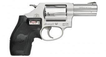 револьвер Smith and Wesson (Смит-и-Вессон) 638T
