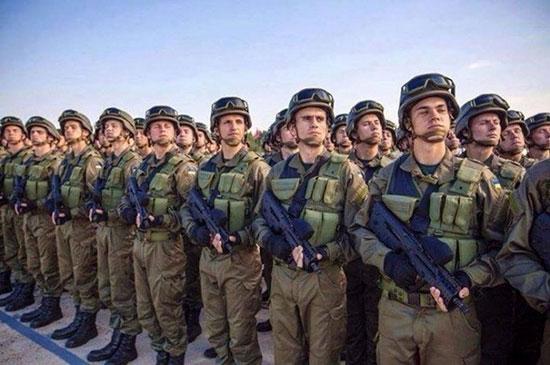 Украинскую армию начали вооружать штурмовыми винтовками TAR-21