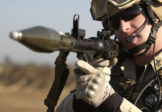 Боец армии США с РПГ-7
