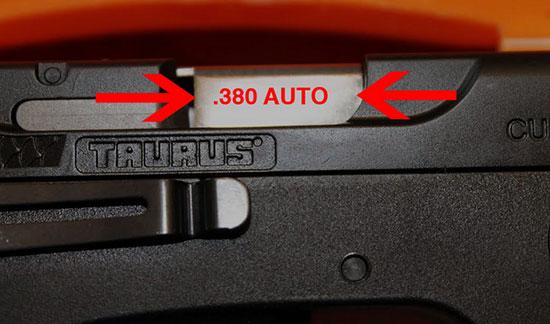 На стволе отсутствует надпись .380 AUTO