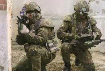 Французские военные в экипировке FELIN