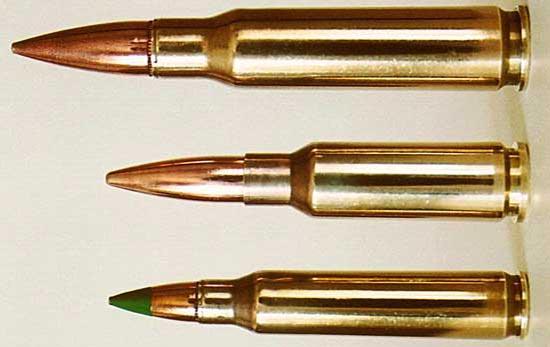 7.62X51 NATO, 6.5x38 Grendel, 5.56x45 NATO (de cima para baixo)
