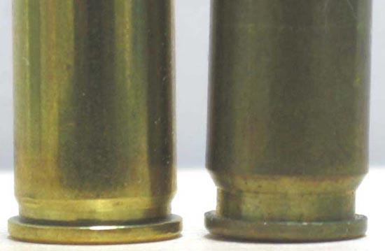 .32 АСР (слева) 7.62x17 Type 64 (справа)