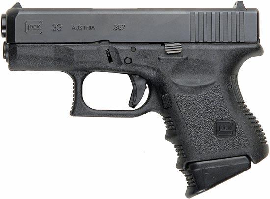 Glock 33 с магазином с выступающей передней частью для упора мизинца