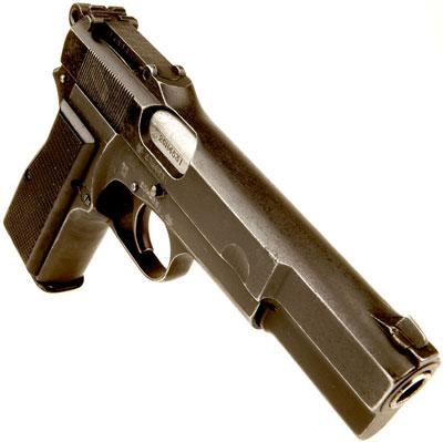 Browning FN 9 mm Mk I (в варианте № 1 Mk I *) производимый в Канаде фирмой «John Inglis and Company»