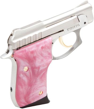 Taurus PT 22 хорошо виден замок безопасности на рукоятке