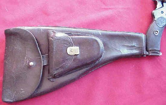 кобура-приклад с присоединенным пистолетом Bergmann 1897 Nº5
