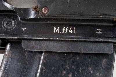 Маркировка (над приемником магазина) ПТР W/7.92, находившегося на вооружении Waffen SS с обозначением PzB M.SS 41