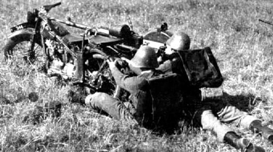 Madsen 1935, установленный на мотоцикле