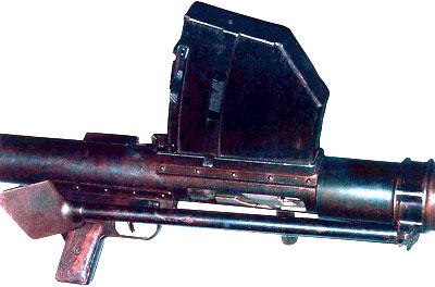 Вид на элементы управления, магазин и складные сошки 14.5-мм ПТР Владимирова