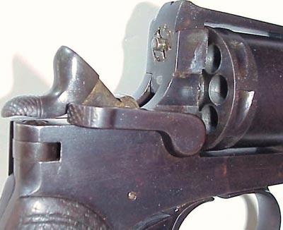 Rast-Gasser M1898 вид на барабан и дверцу заряжания