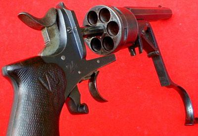 Galand M 1870 производства фирмы Nagant при перезаряжании