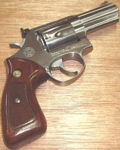 Taurus M 441 с длиной ствола 76 мм