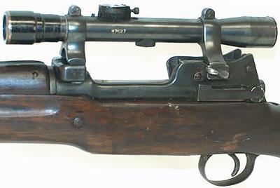 Вид на крепление оптического прицела к винтовке Enfield P14 (T)