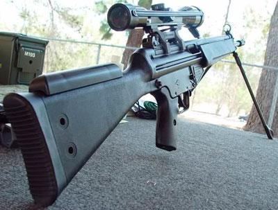 HK 33 SG1 (вид сзади сбоку)