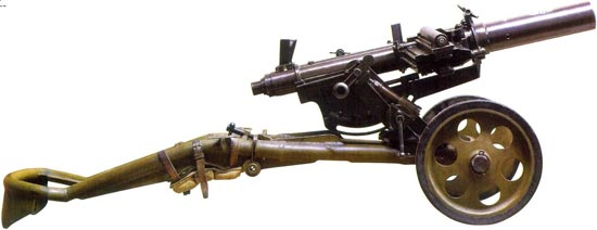 40,8-мм автоматический станковый гранатомет системы Таубина, Бергольцева и Бабурина, один из двух образцов, хранящихся в Военно-историческом музее артиллерии, инженерных войск и войск связи. Вид справа. Хобот станка в положении для стрельбы.