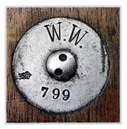 Клеймо порта Вильгельмсхафен с инвентарным номером 799 наносилось на ранних экземплярах на пластине в центре приклада.