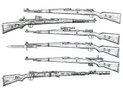 7,92-мм Mauser Kar.98.k. Основные разновидности (сверху вниз): модель 1935 г., модификация 1941 г., снайперская модель с оптическим прицелом Zf41, модификация 1942 года с церемониальным штыком, так называемая Kriegsmodell1945 г. с «зимним спуском», карабин с 30-мм ружейным гранатомётом Gw.Gr.Ger.42.