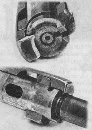 Массивный экстрактор Маузера 98 жестко «закусывает» закраину патрона, и затвор полностью контролирует движение патрона из магазина в патронник. Более надежной системы не существует.