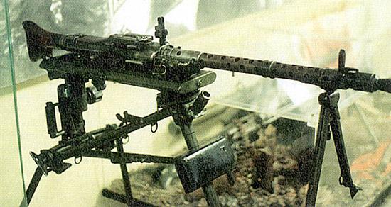 MG-42 на станке