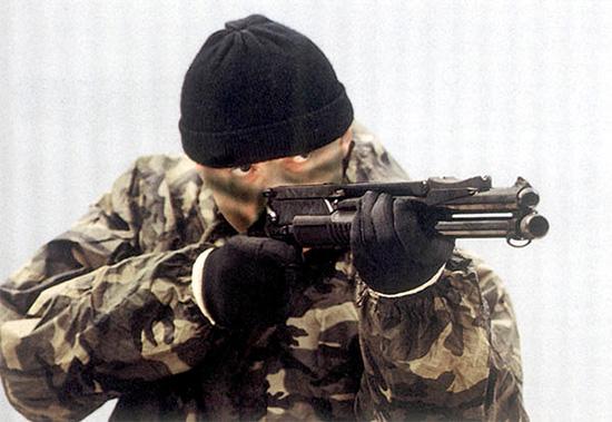 Спецназовец с боевым ружьем РМБ-93