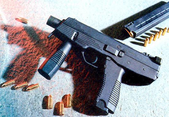 9-мм  пистолет-пулемет «Штейр TMP» контролировать при стрельбе легче, чем это  кажется, несмотря на высокий темп стрельбы. Но он вряд ли подойдет для  неопытных стрелков