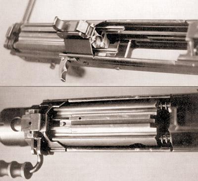 Запирающее устройство на 12.7-мм ручном крупнокалиберном пулемете в переднем и заднем положениях