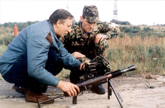 Вот такой бы мне в Афган! Да выдать по одному на взвод! Еще больше они нужны были в боях за населенные пункты в Чечне. Прекрасное оружие!