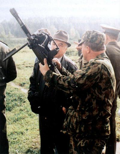 Наиболее бурно присутствовавшими обсуждалась возможность вооружения мотострелков мощными ручными автоматическими гранатометами и ручными 12.7-мм пулеметами