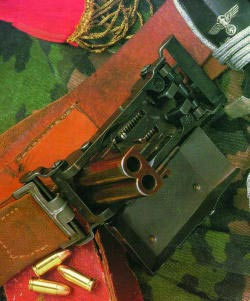 Двухствольная пряжка-пистолет Маркуса, 1944 г.