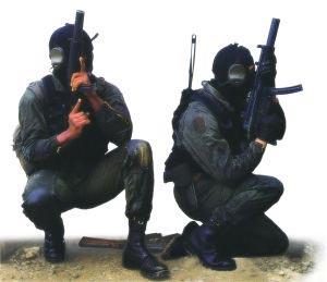 Бойцы ГСГ-9 c пистолетами-пулеметами MP.5SD3